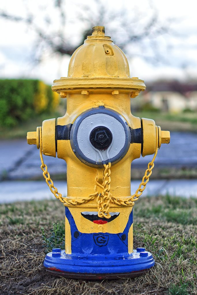 Minionkowy hydrant